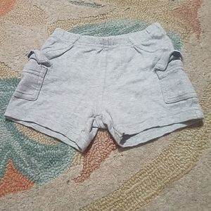 🎅 5/$25 Carter's 9M baby shorts